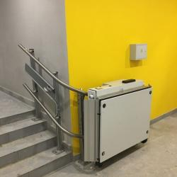 BK 320 Wheelchair Lift with Complex Movement Trajectory